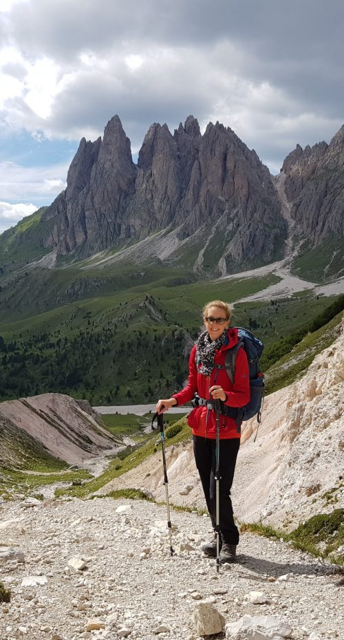 Kathrin Härle Privat bei einer Wanderung in den Südtiroler Bergen